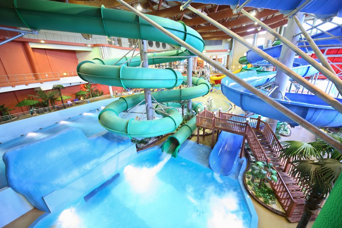 Swimming Pools With Waterslides In Calgary
